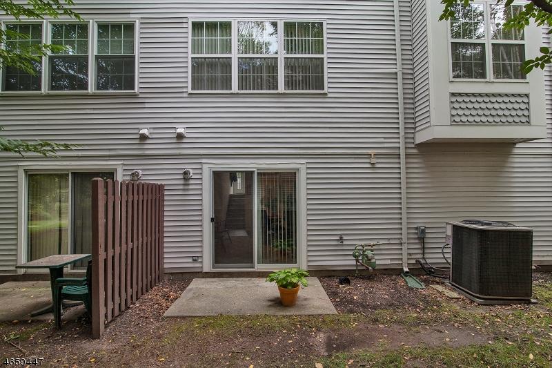 Additional photo for property listing at 506 CHANDLER LANE  Whippany, Нью-Джерси 07981 Соединенные Штаты