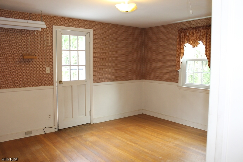 Additional photo for property listing at 441 W Shore Trail  Sparta, New Jersey 07871 États-Unis