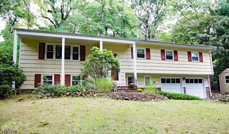 Casa Unifamiliar por un Venta en 510 Stangle Road Martinsville, Nueva Jersey 08836 Estados Unidos