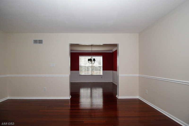 Additional photo for property listing at 18 Edgewood Way  Glen Gardner, Nueva Jersey 08826 Estados Unidos