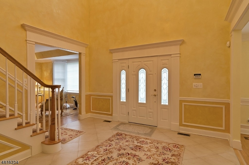 Additional photo for property listing at 11 Harlind Ter  Ramsey, Нью-Джерси 07446 Соединенные Штаты