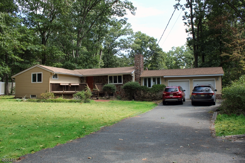 Additional photo for property listing at 21 Moraine Road  Morris Plains, New Jersey 07950 United States