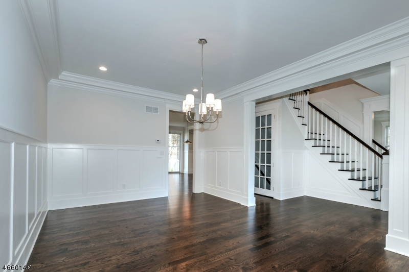 Additional photo for property listing at 15 Rutgers Court  Westfield, New Jersey 07090 États-Unis