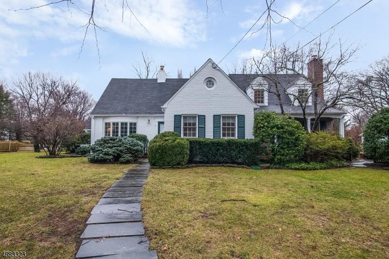 Частный односемейный дом для того Продажа на 49 Hillcrest Road Madison, 07940 Соединенные Штаты