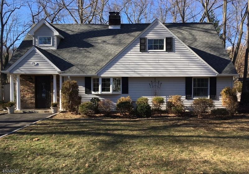 Частный односемейный дом для того Продажа на 26 Osborne Avenue New Providence, 07974 Соединенные Штаты