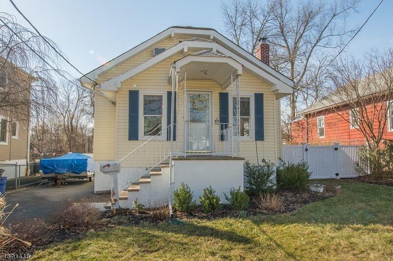Частный односемейный дом для того Аренда на 85 Franklin Street Verona, Нью-Джерси 07044 Соединенные Штаты