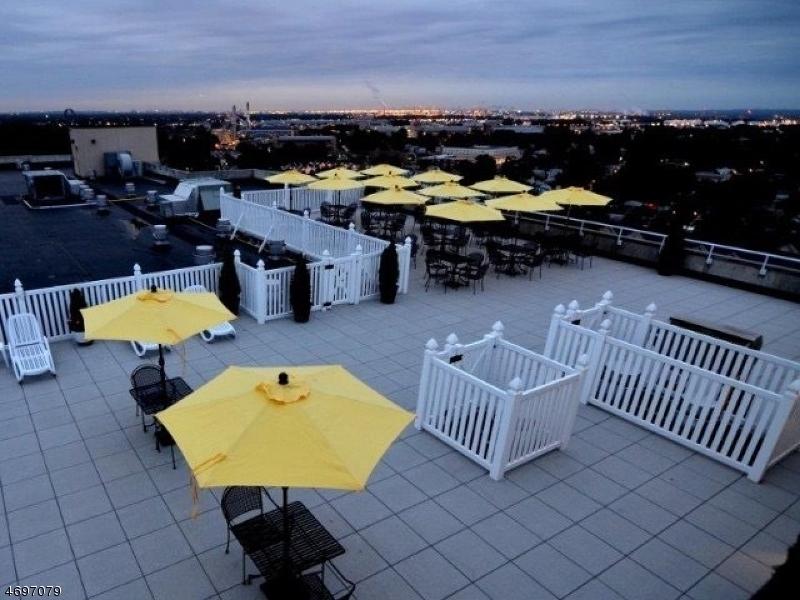 Частный односемейный дом для того Аренда на 1420 Irving Street Rahway, Нью-Джерси 07065 Соединенные Штаты