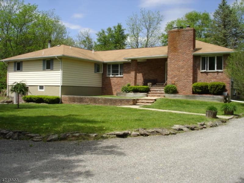 Maison avec plusieurs logements pour l Vente à 210 Main Street Ogdensburg, New Jersey 07439 États-Unis