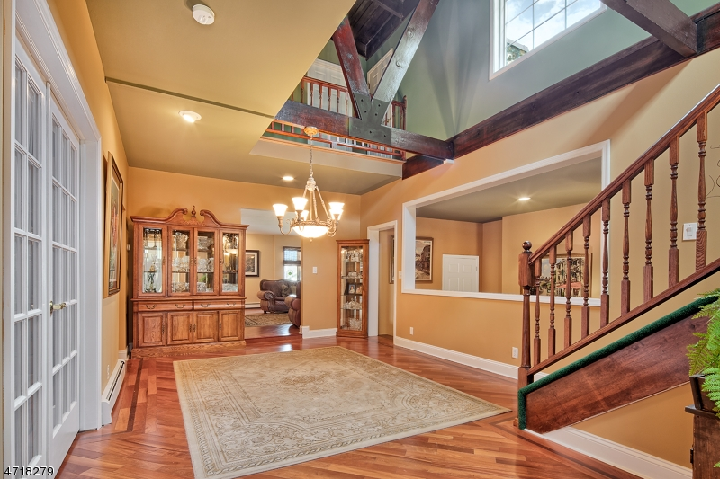 Maison unifamiliale pour l Vente à 80 Mountain Heights Lincoln Park, New Jersey 07035 États-Unis