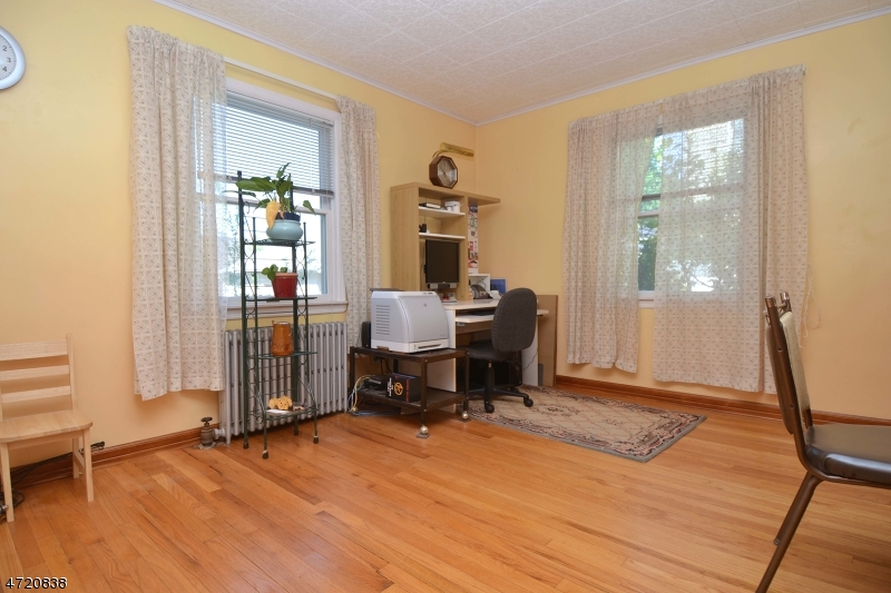 Additional photo for property listing at 846 Auburn Avenue  Ridgewood, New Jersey 07450 United States