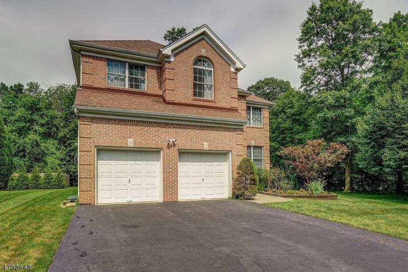 Частный односемейный дом для того Аренда на 23 Schindler Way Livingston, Нью-Джерси 07039 Соединенные Штаты