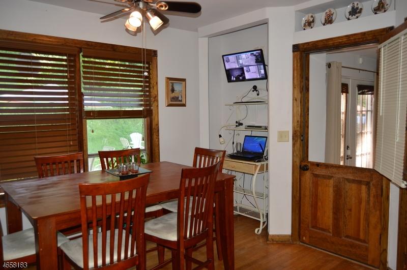Additional photo for property listing at 2097 State Route 31  Glen Gardner, Nueva Jersey 08826 Estados Unidos