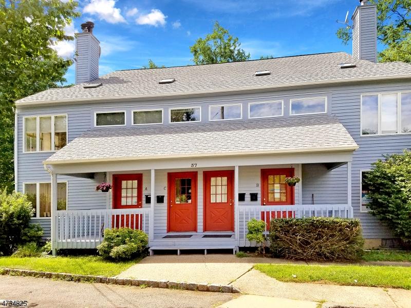 独户住宅 为 出租 在 37-C COBB Place 莫里斯敦, 新泽西州 07960 美国