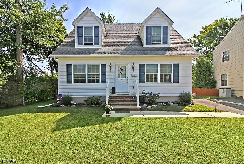 独户住宅 为 销售 在 17 James Street Somerville, 新泽西州 08876 美国
