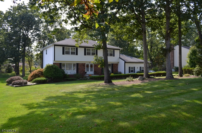 Villa per Vendita alle ore Address Not Available Morris Plains, New Jersey 07950 Stati Uniti