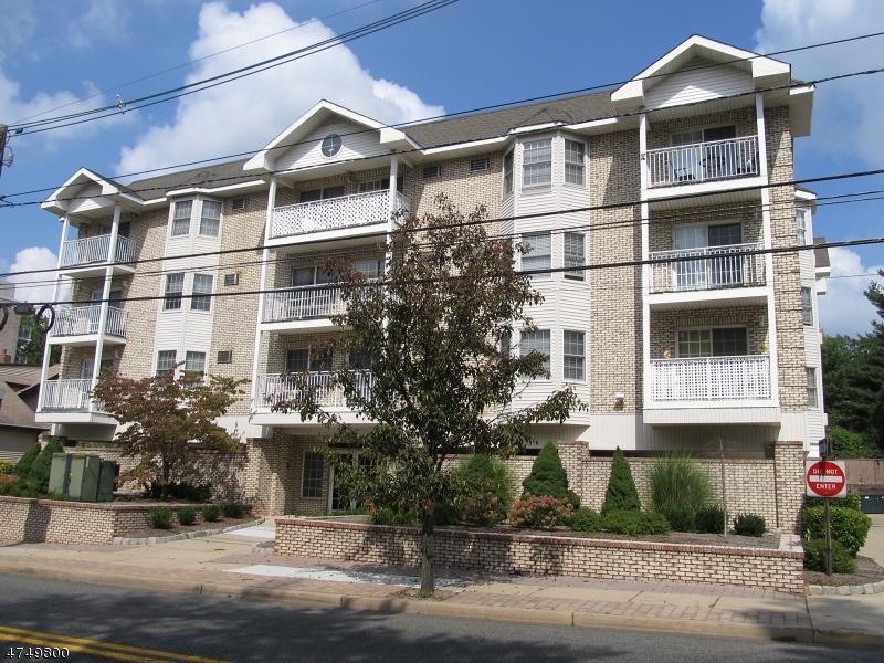 Casa Unifamiliar por un Alquiler en Address Not Available Hackensack, Nueva Jersey 07601 Estados Unidos
