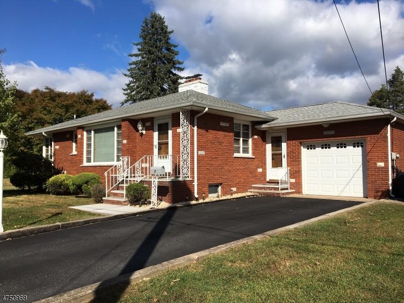 Casa Unifamiliar por un Alquiler en 1 McKinley Street Wanaque, Nueva Jersey 07420 Estados Unidos