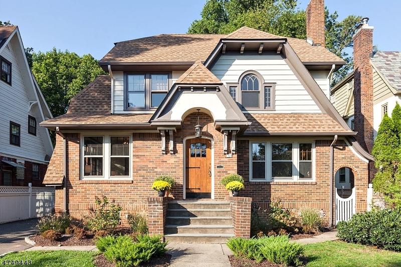 Maison unifamiliale pour l Vente à 32 Clairidge Court Glen Ridge, New Jersey 07028 États-Unis