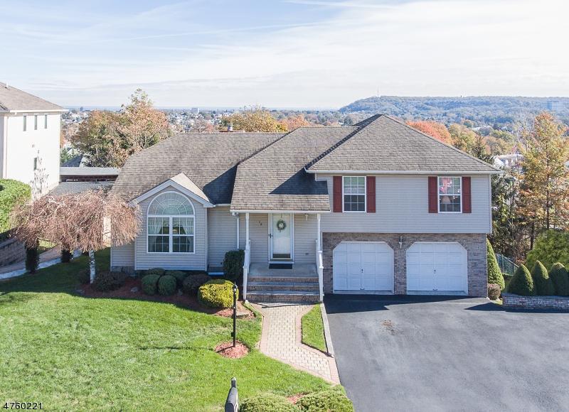 一戸建て のために 売買 アット 18 Cumberland Avenue 18 Cumberland Avenue Totowa Boro, ニュージャージー 07512 アメリカ合衆国