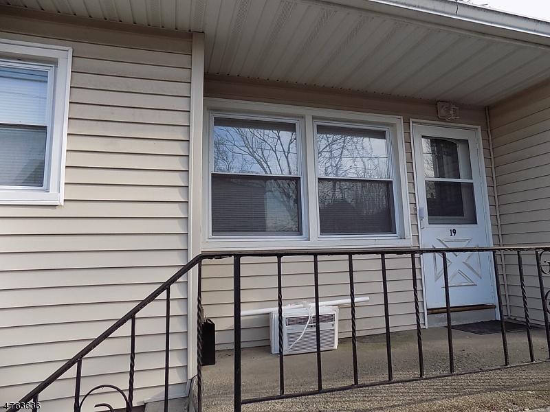 Casa Unifamiliar por un Alquiler en 35 Carey Ave Apt. 20 Butler, Nueva Jersey 07405 Estados Unidos
