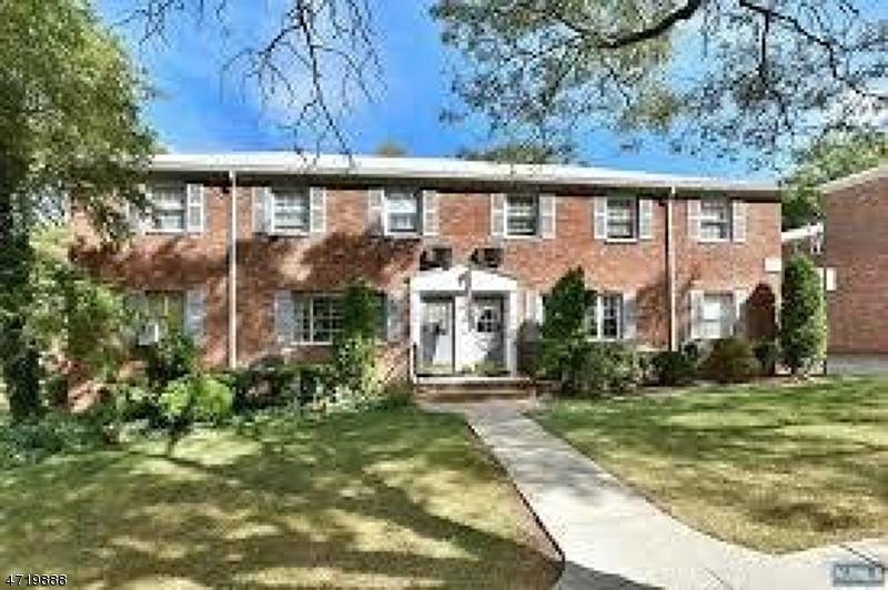 Maison unifamiliale pour l à louer à 34 Wedgewood Drive Verona, New Jersey 07044 États-Unis