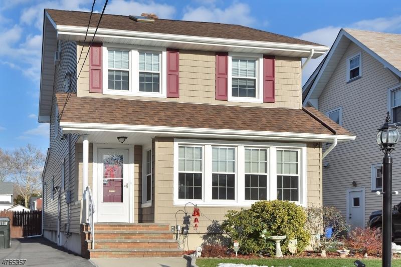 Maison unifamiliale pour l Vente à 88 W Pierrepont Avenue Rutherford, New Jersey 07070 États-Unis