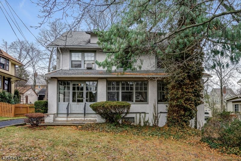 Maison unifamiliale pour l Vente à 29 Clinton Avenue Maplewood, New Jersey 07040 États-Unis