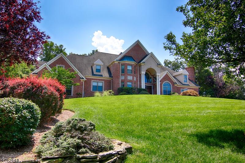 Maison unifamiliale pour l Vente à 20 Thistle Lane Warren, New Jersey 07059 États-Unis