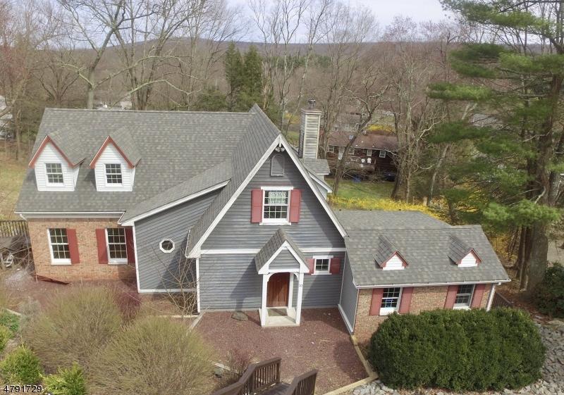 独户住宅 为 销售 在 10 Green Lane 西米尔福德, 新泽西州 07438 美国