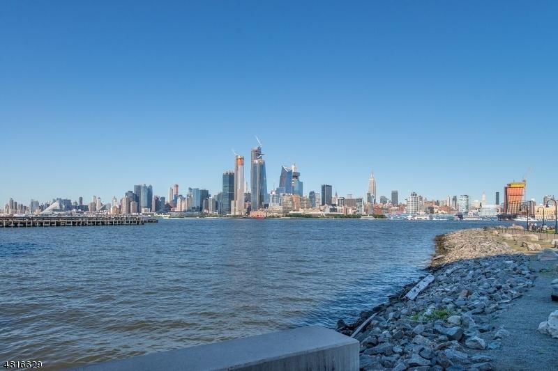 公寓 / 联排别墅 为 销售 在 1125 MAXWELL Lane 霍博肯, 新泽西州 07030 美国