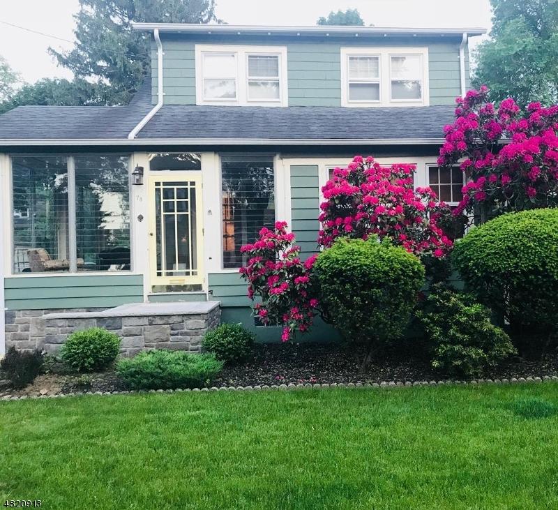 Maison unifamiliale pour l Vente à 78 COLUMBUS Avenue Harrington Park, New Jersey 07640 États-Unis