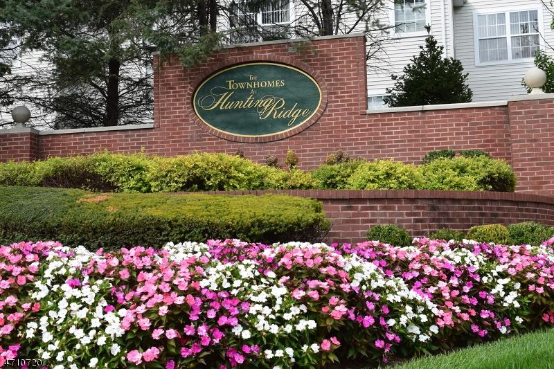 Condominio/ Casa de pueblo por un Alquiler en 121 CARDIGAN Court Parsippany, Nueva Jersey 07054 Estados Unidos