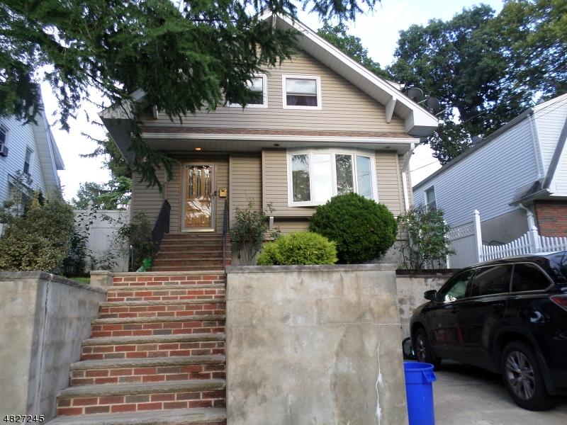 Maison unifamiliale pour l Vente à 201 RIDGEFIELD Avenue Bogota, New Jersey 07603 États-Unis