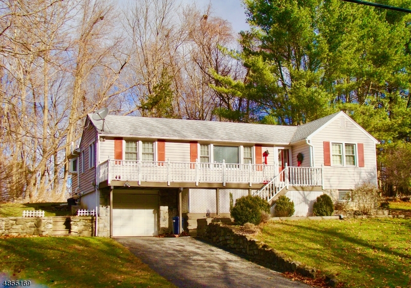 Tek Ailelik Ev için Satış at 651 LIMECREST Road Andover, New Jersey 07860 Amerika Birleşik Devletleri