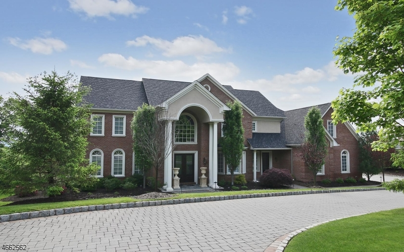 独户住宅 为 销售 在 4 W SERAFIN WAY Montville, 新泽西州 07082 美国