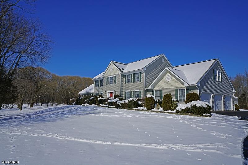 Casa para uma família para Venda às 465 SHADES OF DEATH Road Allamuchy, Nova Jersey 07838 Estados Unidos