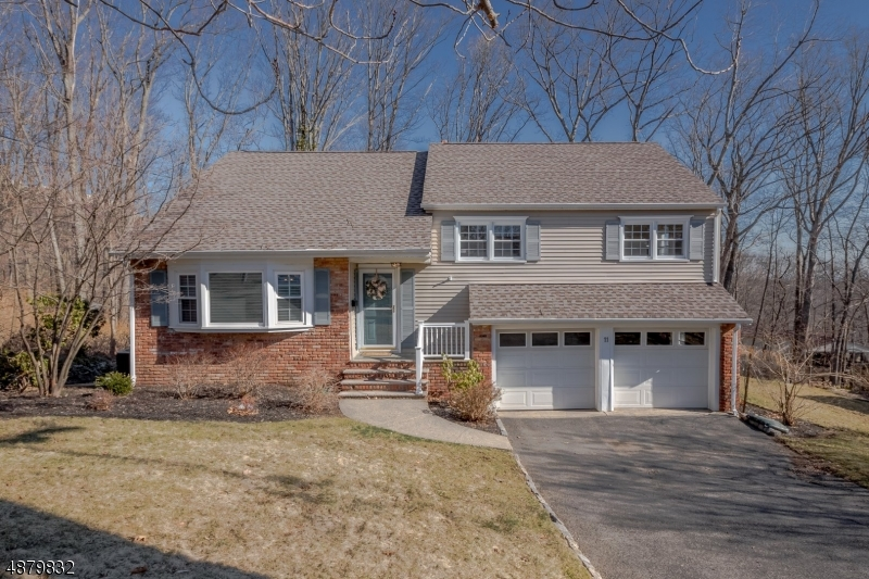 Single Family Home for Sale at 11 E CRESTVIEW Court Morris Plains, New Jersey 07950 United States