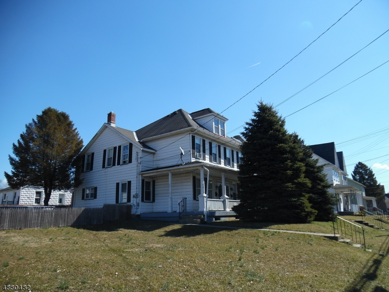Villas / Townhouses for Sale at 689 COLUMBUS AVE Phillipsburg, New Jersey 08865 United States