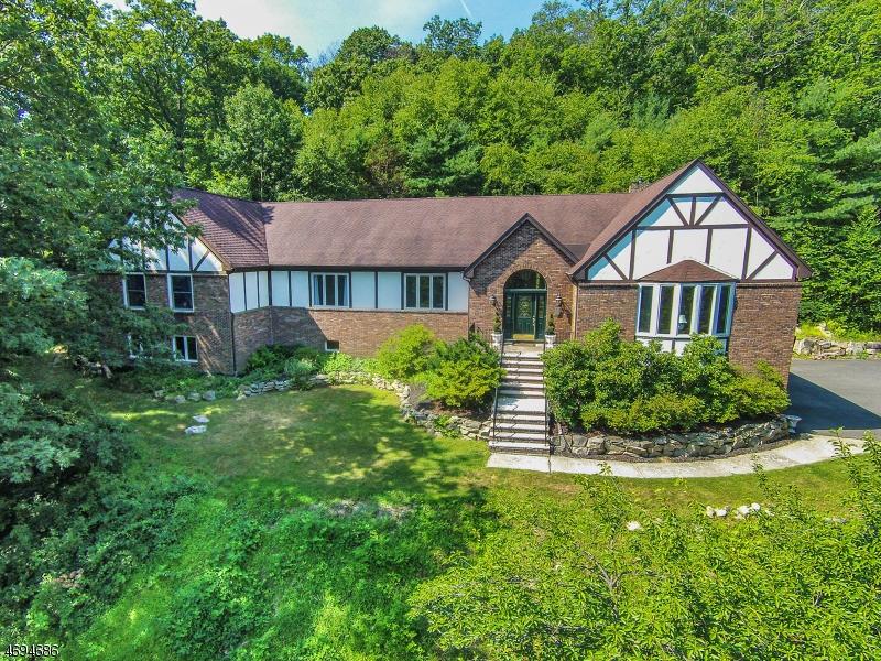 Casa Unifamiliar por un Venta en 5 BROOKVALE TER Kinnelon, Nueva Jersey 07405 Estados Unidos