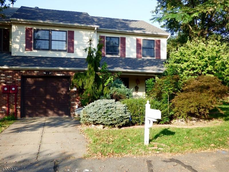 콘도 / 타운 하우스 용 매매 에 East Brunswick Township, 뉴저지 08816 미국