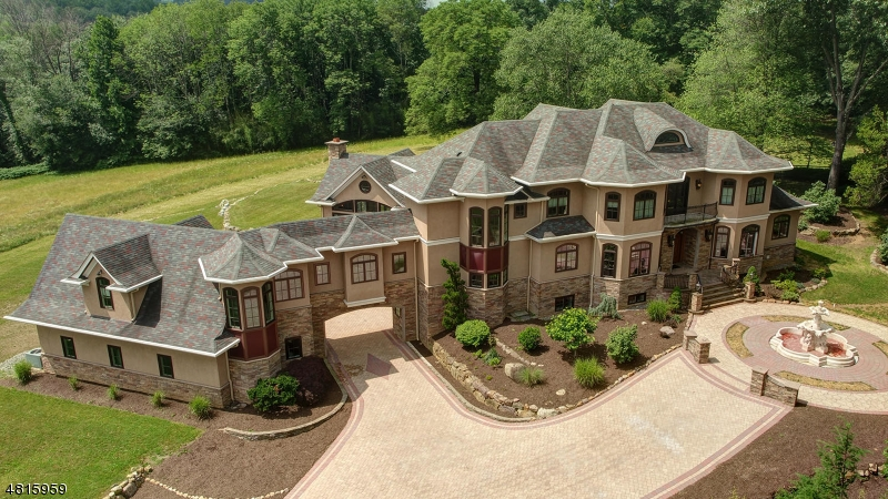 Single Family Homes für Verkauf beim Denville, New Jersey 07834 Vereinigte Staaten