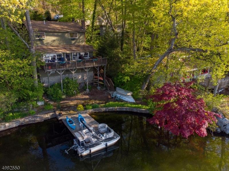 Single Family Homes のために 売買 アット Bloomingdale, ニュージャージー 07403 アメリカ