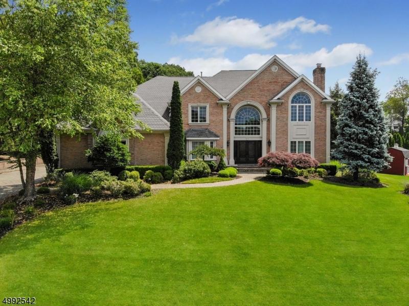 Single Family Homes のために 売買 アット North Haledon, ニュージャージー 07508 アメリカ