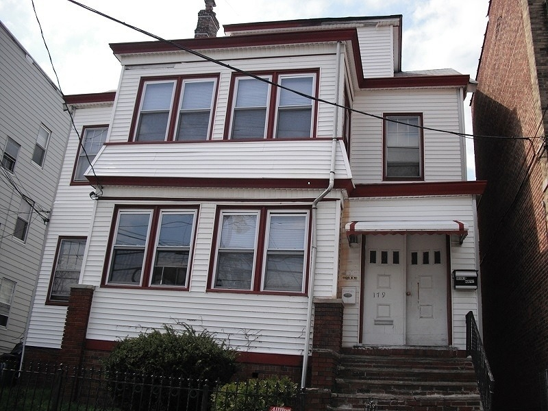 Additional photo for property listing at 179 Myrtle Avenue  Irvington, 新泽西州 07111 美国