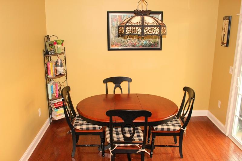 独户住宅 为 销售 在 60 Indigo Road 哈克特斯镇, 新泽西州 07840 美国