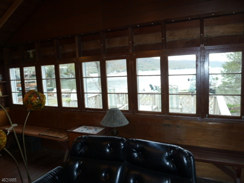 Additional photo for property listing at 24 Cove Road  Greenwood Lake, Нью-Йорк 10925 Соединенные Штаты