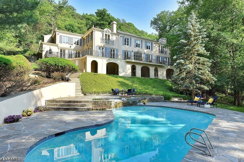 Single Family Home for Sale at 975 Scioto Drive Franklin Lakes, 07417 United States