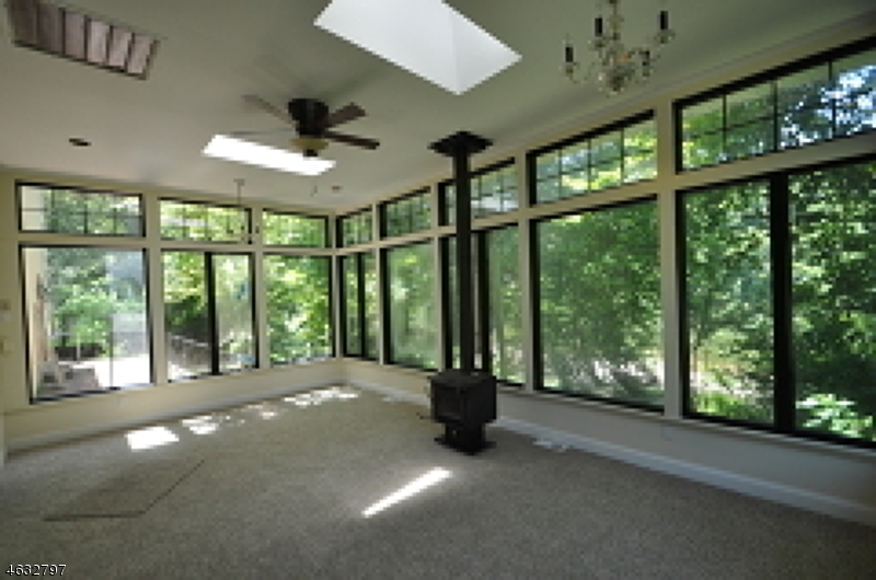 Additional photo for property listing at 1 Harmony Ter  Phillipsburg, Nueva Jersey 08865 Estados Unidos