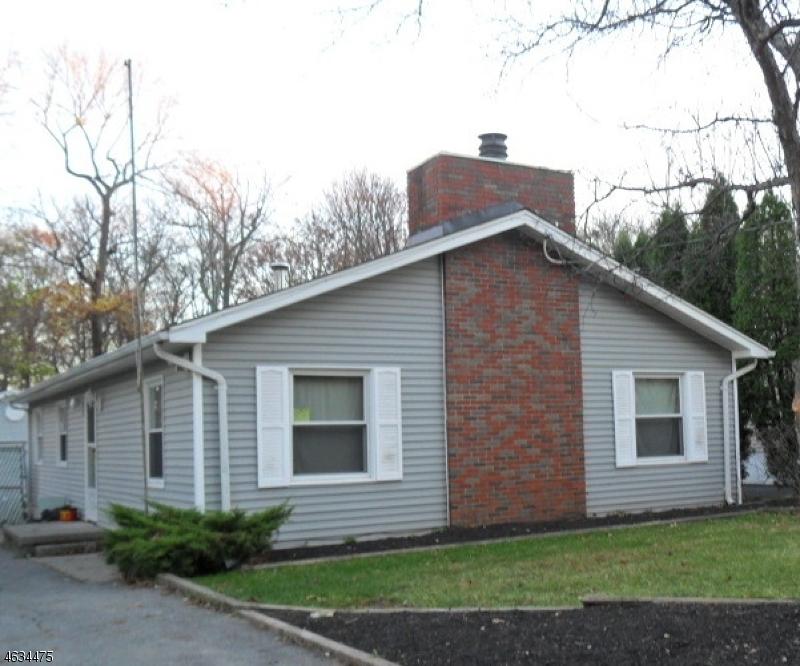 Частный односемейный дом для того Продажа на 62 Elizabeth Way Landing, Нью-Джерси 07850 Соединенные Штаты