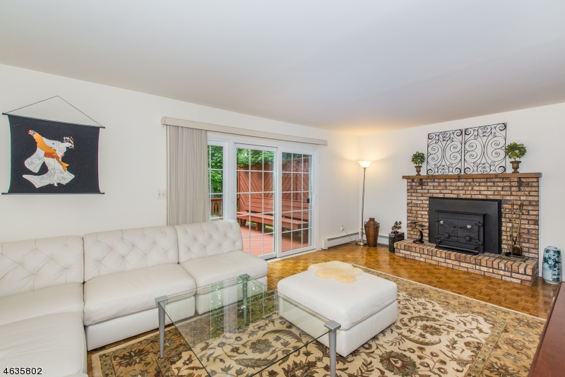 Additional photo for property listing at 15 Berry Lane  Randolph, Nueva Jersey 07869 Estados Unidos